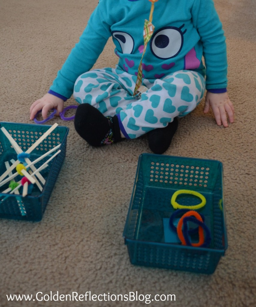 (2) Crossing Midline Activity for Littles with DIY Tic Tac Toe Pieces - PreWriting Activities for Kids Series