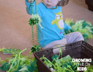 A fun St. Patrick's Day sensory bin for toddlers and preschoolers.