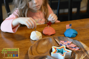 4th of July Invitation to Play with play dough for kids.